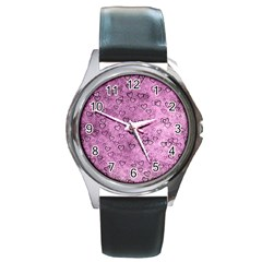 Heart Pattern Round Metal Watch