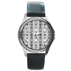 Folklore Pattern Round Metal Watch
