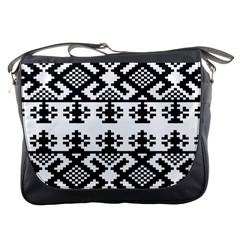 Model Traditional Draperie Line Black White Triangle Messenger Bags