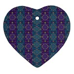 Retro Vintage Bleeding Hearts Pattern Ornament (Heart) Front