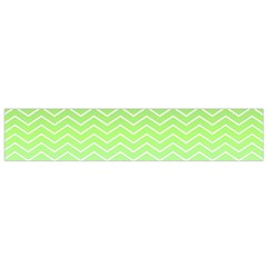 Green Line Zigzag Pattern Chevron Flano Scarf (small)