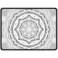 Mandala Pattern Floral Fleece Blanket (large)