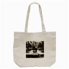 Black And White Hdr Spreebogen Tote Bag (cream)