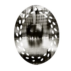 Black And White Hdr Spreebogen Ornament (oval Filigree)
