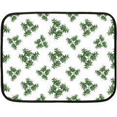 Nature Motif Pattern Design Fleece Blanket (mini)