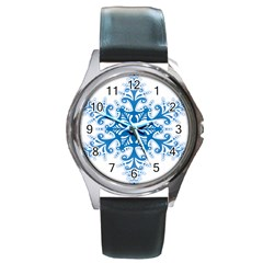 Snowflakes Blue Flower Round Metal Watch