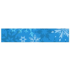 Snowflakes Cool Blue Star Flano Scarf (small)