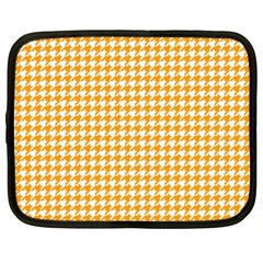 Friendly Houndstooth Pattern, Orange Netbook Case (large)