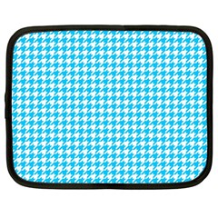 Friendly Houndstooth Pattern,aqua Netbook Case (large)