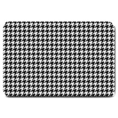 Friendly Houndstooth Pattern,black And White Large Doormat