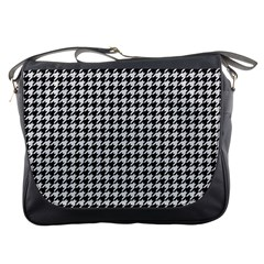 Friendly Houndstooth Pattern,black And White Messenger Bags