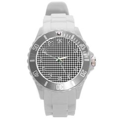Friendly Houndstooth Pattern,black And White Round Plastic Sport Watch (l)
