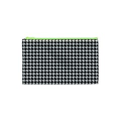 Friendly Houndstooth Pattern,black And White Cosmetic Bag (xs)