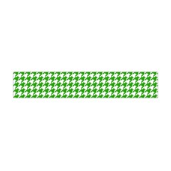 Friendly Houndstooth Pattern,green Flano Scarf (mini)