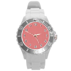 Friendly Houndstooth Pattern,red Round Plastic Sport Watch (l)