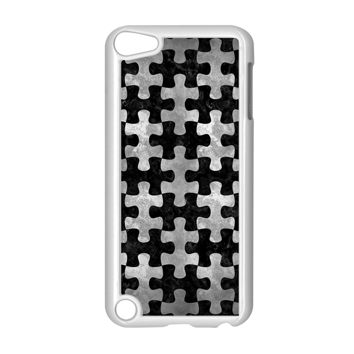 PUZZLE1 BLACK MARBLE & GRAY METAL 2 Apple iPod Touch 5 Case (White)