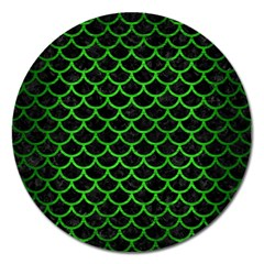 Scales1 Black Marble & Green Brushed Metal Magnet 5  (round)