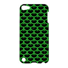 Scales3 Black Marble & Green Colored Pencil Apple Ipod Touch 5 Hardshell Case