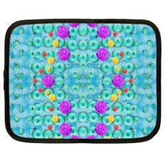 Season For Roses And Polka Dots Netbook Case (xxl)