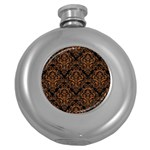 DAMASK1 BLACK MARBLE & RUSTED METAL (R) Round Hip Flask (5 oz) Front