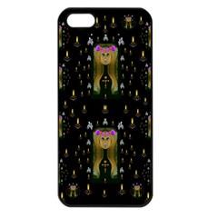 Queen In The Darkest Of Nights Apple Iphone 5 Seamless Case (black)
