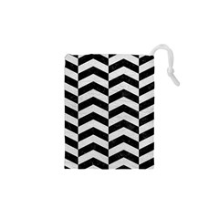 Chevron2 Black Marble & White Leather Drawstring Pouches (xs)