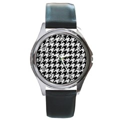 Houndstooth1 Black Marble & White Leather Round Metal Watch