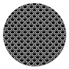 Scales2 Black Marble & White Leather (r) Magnet 5  (round)