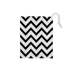 Chevron9 Black Marble & White Linen Drawstring Pouches (small)