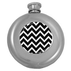 Chevron9 Black Marble & White Linen (r) Round Hip Flask (5 Oz)