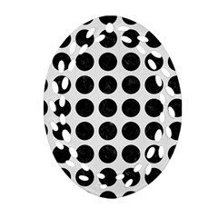 Circles1 Black Marble & White Linen Oval Filigree Ornament (two Sides)