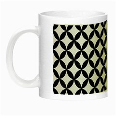 Circles3 Black Marble & White Linen Night Luminous Mugs