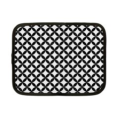 Circles3 Black Marble & White Linen Netbook Case (small)