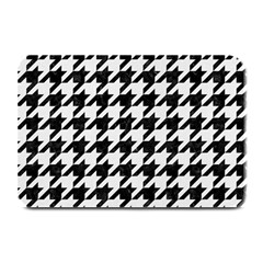 Houndstooth1 Black Marble & White Linen Plate Mats