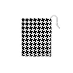 Houndstooth1 Black Marble & White Linen Drawstring Pouches (xs)