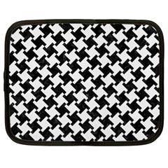 Houndstooth2 Black Marble & White Linen Netbook Case (large)