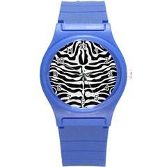 Skin2 Black Marble & White Linen (r) Round Plastic Sport Watch (s)