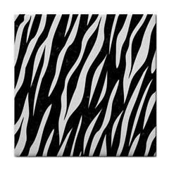 Skin3 Black Marble & White Linen (r) Face Towel
