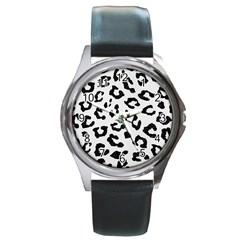 Skin5 Black Marble & White Linen (r) Round Metal Watch