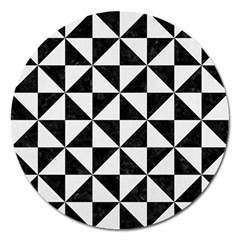 Triangle1 Black Marble & White Linen Magnet 5  (round)