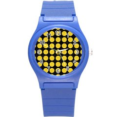 Circles1 Black Marble & Yellow Colored Pencil (r) Round Plastic Sport Watch (s)