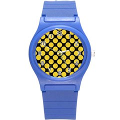 Circles2 Black Marble & Yellow Colored Pencil (r) Round Plastic Sport Watch (s)