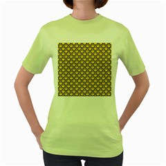 Scales2 Black Marble & Yellow Colored Pencil Women s Green T Shirt
