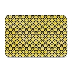 Scales2 Black Marble & Yellow Watercolor Plate Mats
