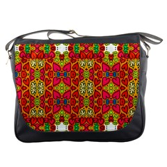 Abstract Background Pattern Doodle Messenger Bags