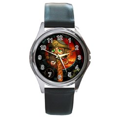 Funny Giraffe With Helmet Round Metal Watch