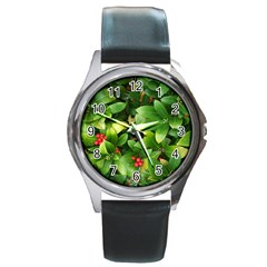 Christmas Season Floral Green Red Skimmia Flower Round Metal Watch