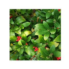 Christmas Season Floral Green Red Skimmia Flower Small Satin Scarf (square)
