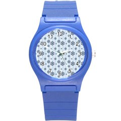 Snowflakes Winter Christmas Card Round Plastic Sport Watch (s)