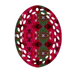 Christmas Colors Wrapping Paper Design Oval Filigree Ornament (two Sides)